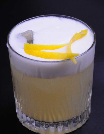 Buddha-Smile-Drink-con-decorazioni-al-limone